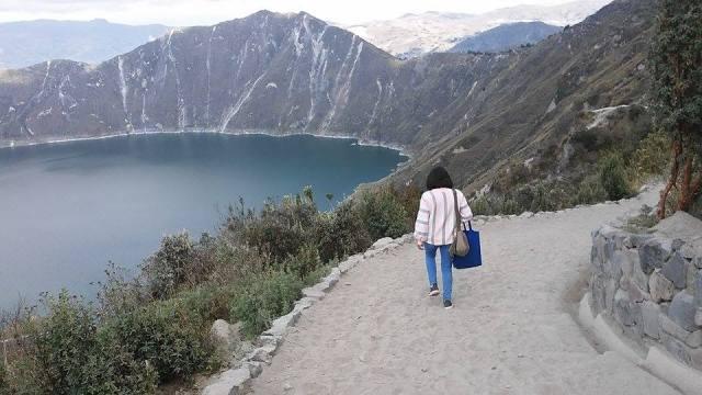 Ecuador, Quito, traveler laguna quilotoa