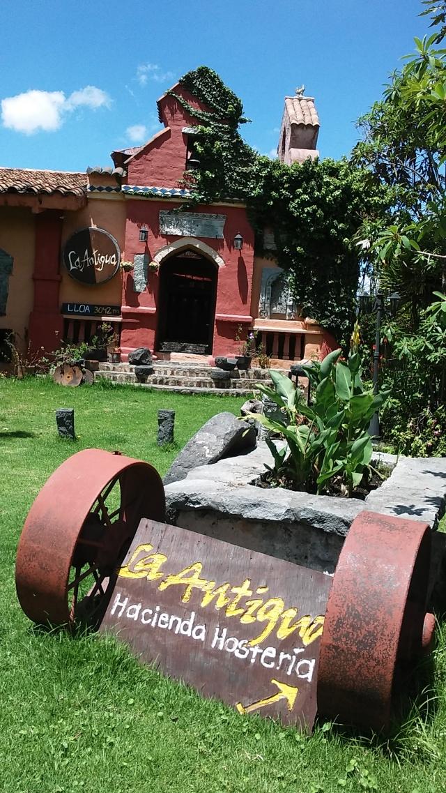 Lola ecuador travel