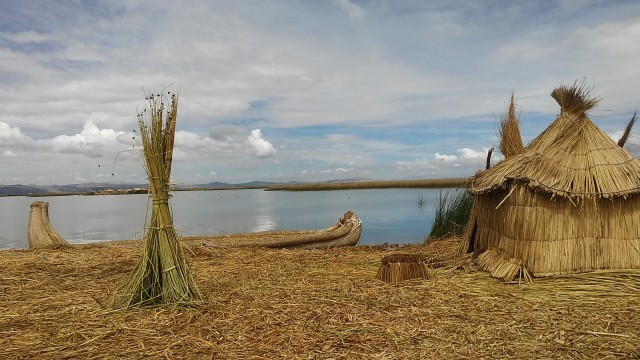 Peru floating islands lake Titicaca scenery