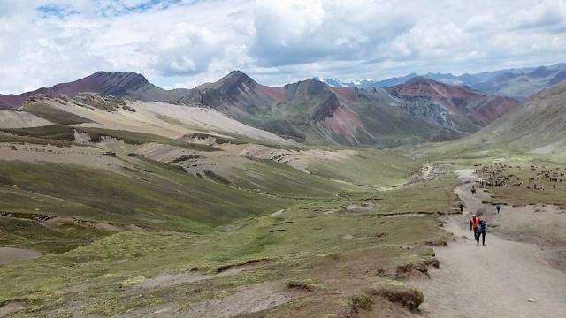 hiking rainbow mountain cusco, Peru travel photo