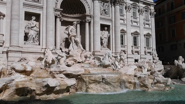 rome Italy travel  Trevi fountain