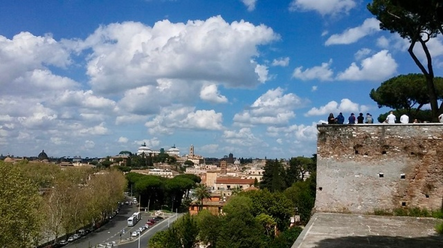 rome Italy travel photo budget travel tips non touristy things to do aventine hill