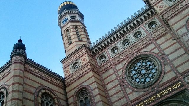 synagogue budapest hungary