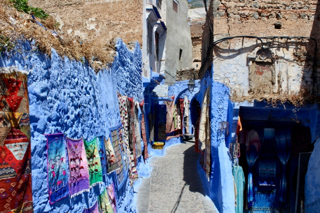 chefchaouen alleyway and art