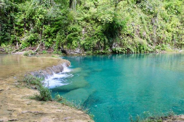 turquoise pool semuc champey
